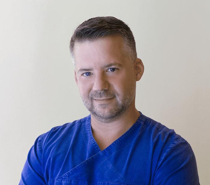 Dr Pintér Áron fogorvos
